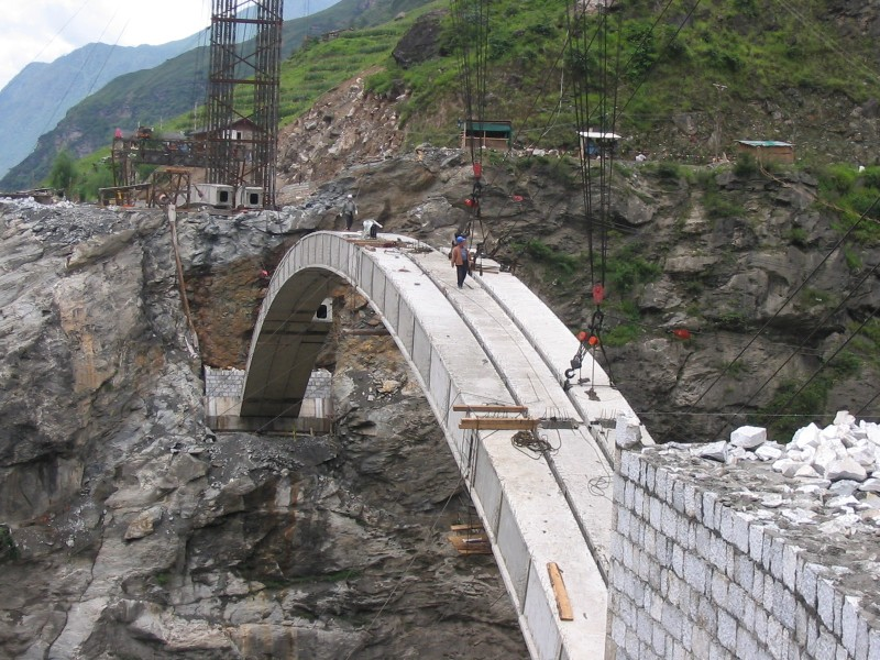 Small Portable Bridges : Dewey s china trip photos yunnan tiger leap gorge bridge
